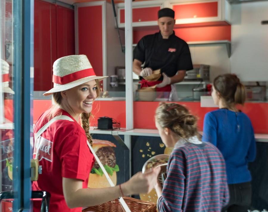 Jacquet Burger - Roadshow Food Truck Globe
